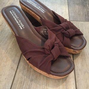 Donald J Pilner Wedge Sandals Patent Tan Cork 10